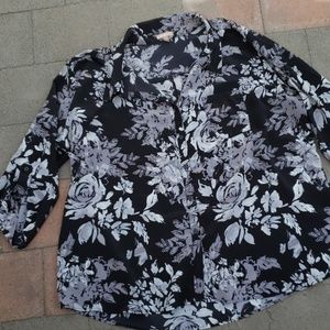 White stag 4x floral button long blouse (c)
